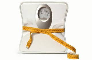 Scale-tape-measure-lose-weight460x300 (1)